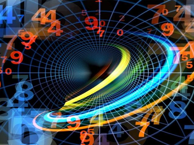 Teoría Cuántica de Campos y Física Matemática
